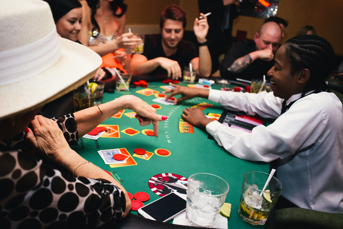 Hit Me, Playing Poker Image, Nightlife New Orleans - The Penthouse Club